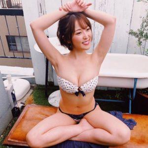 忍野さらのセクシーグラビア写真