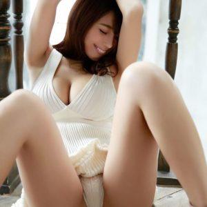森咲智美のセクシーなグラビア水着画像